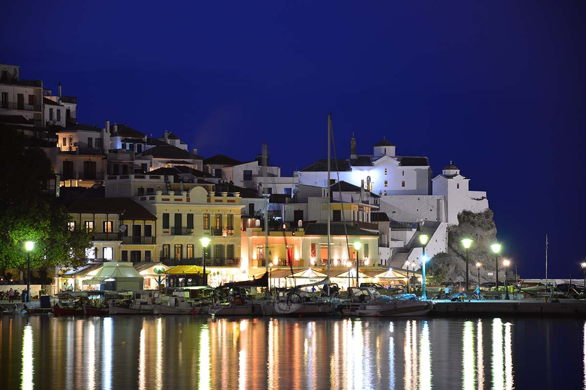 06 Night view of Skopelos